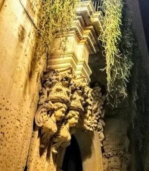 Stupendo portale barocco in Terra d'OItranto